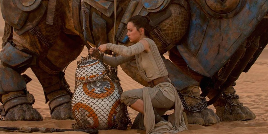 star-wars-force-awakens-rey-bb8-daisy-ridley