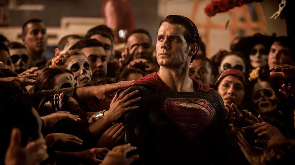 Henry Cavill repite el papel de Superman. Su evolución es nula.