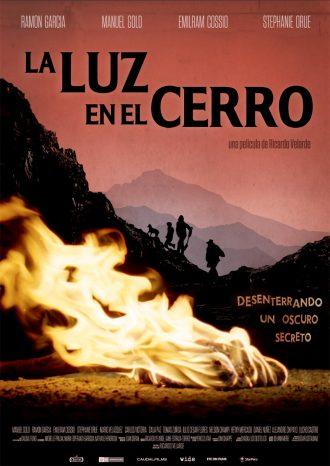 La-luz-en-el-cerro-Ricardo-Velarde-poster