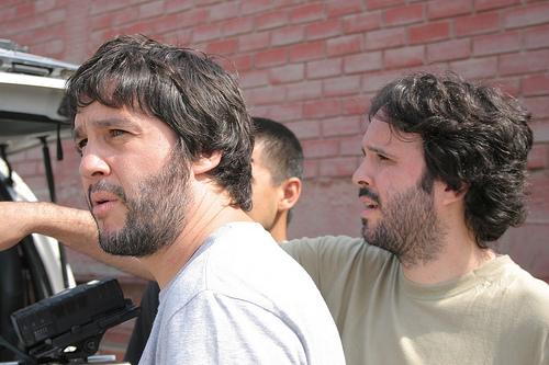 Octubre, Daniel y Diego Vega