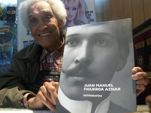Luis Figueroa Yábar y retrato de su padre