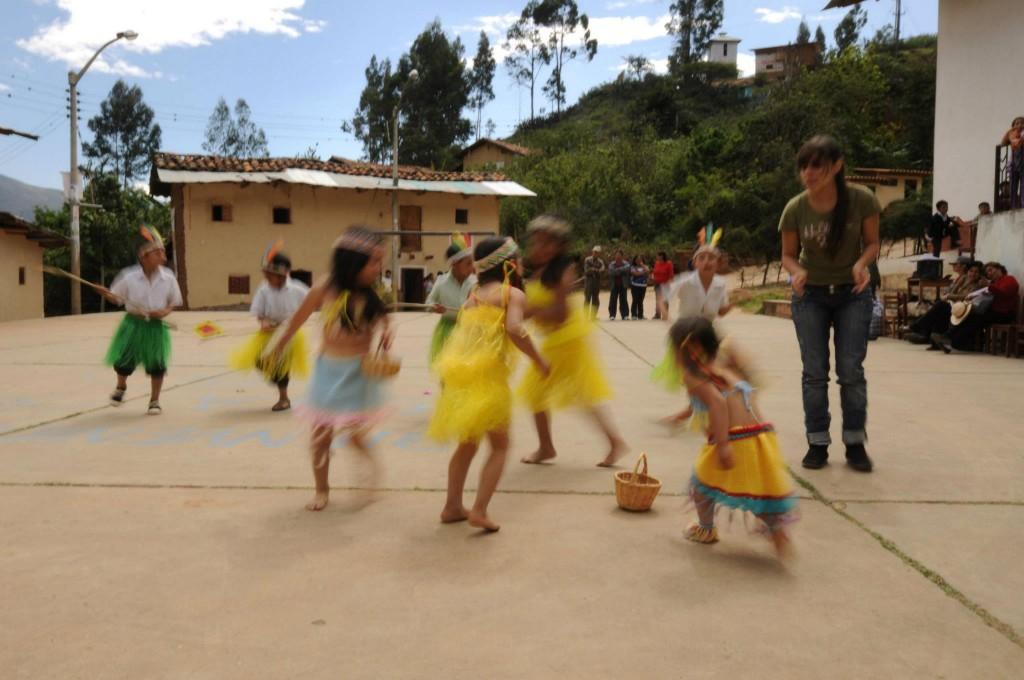 Chicama - baile niños